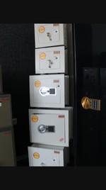 Метални сейфове за вгаждане, за митници