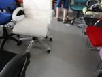 много модели на офис столове в бял цвят
