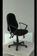 здрави офис столове до 100 кг.